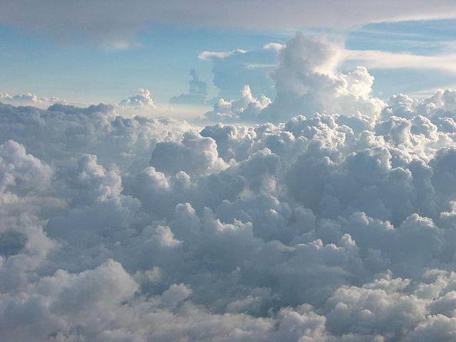 Horizons au-dessus des nuages